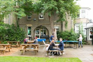Sprachschule Cambridge, Kaplan International Cambridge, Garten