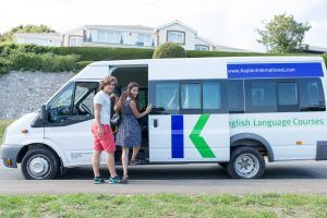 Sprachschule Torquay, Kaplan International England, Mini Van