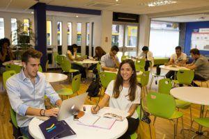Sprachreise Bournemouth, Sprachschule Kaplan International England, Aufenthaltsraum 2
