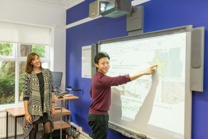 Sprachschule Cambridge, Kaplan International Cambridge, Interactive Whiteboard