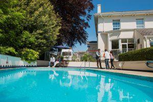 Sprachschule Torquay, Kaplan International England, Swimmingpool