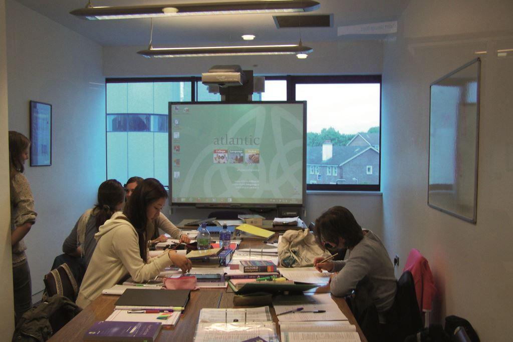 Sprachschule Atlantic Language Galway, Irland, Sprachreise, Sprachkurs, Unterrichtsraum
