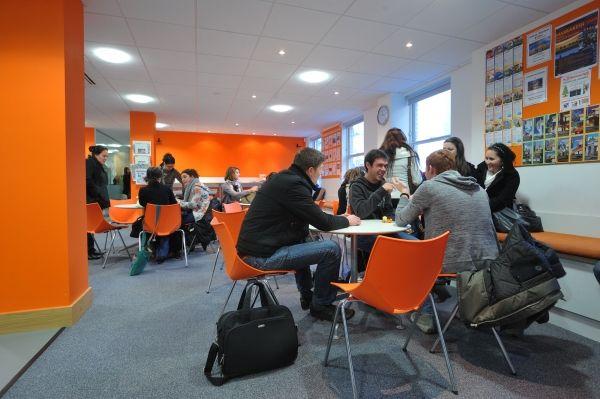 Sprachreise Brighton, Sprachschule EC English England, Aufenthaltsraum 5