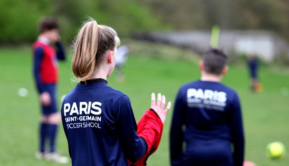 Paris Saint Germaine Academy - Fußballtraining Mädchen