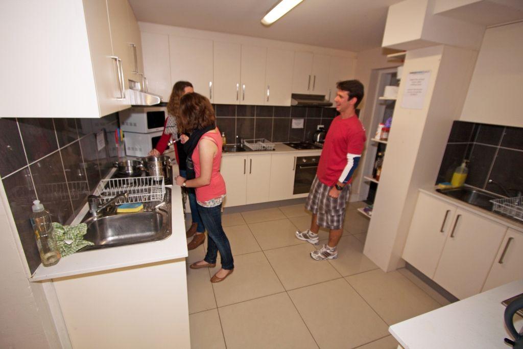 Sprachreise Australien Sydney City Kaplan Jack\'s Place Küche mit ...