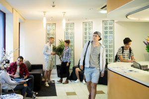 Sprachreisen Australien Sydney City Kaplan Schulflur