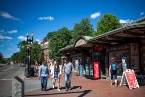 Sprachschule Boston Harvard Square, Kaplan International, Unterricht