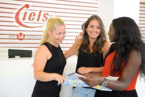 Sprachreise Malta_Sprachschule IELS Sliema_Flur2