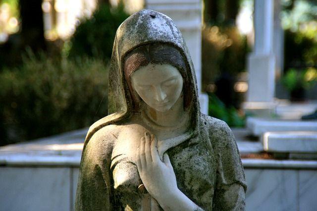 Jungfrau Maria Statue